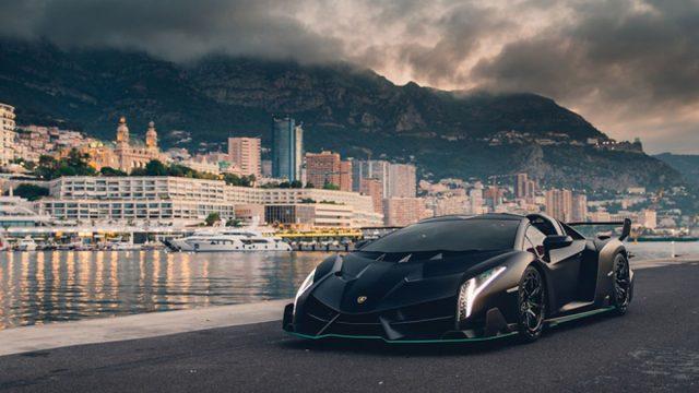 Lamborghini Veneno Roadstere