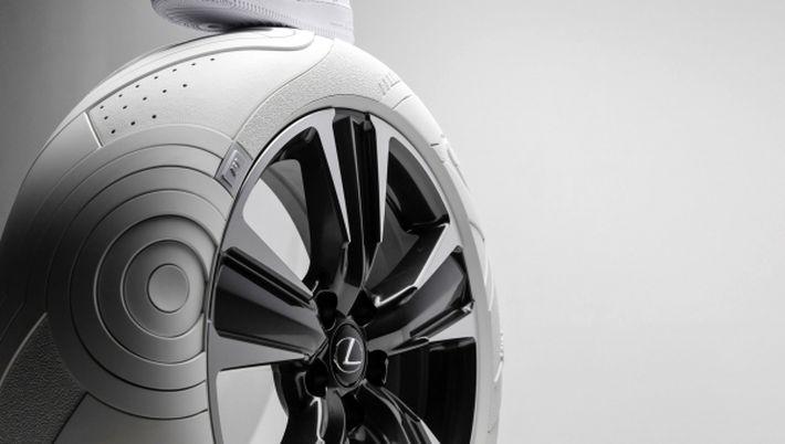 Lexus UX cipő