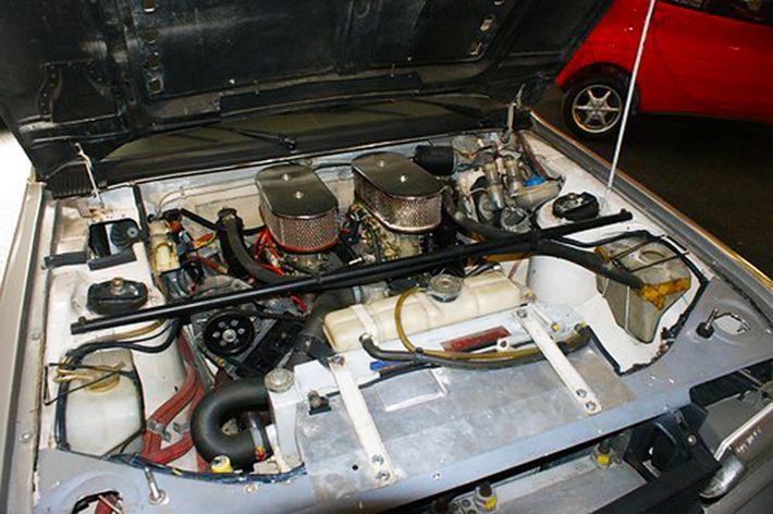 Peugeot 305 V6