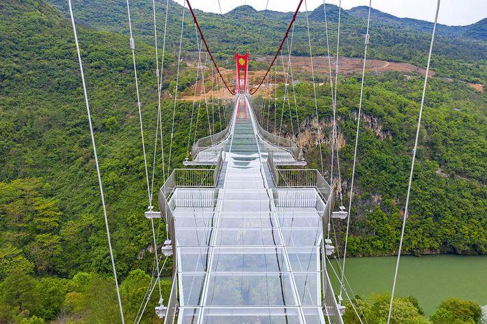 UAD üvegaljú híd
