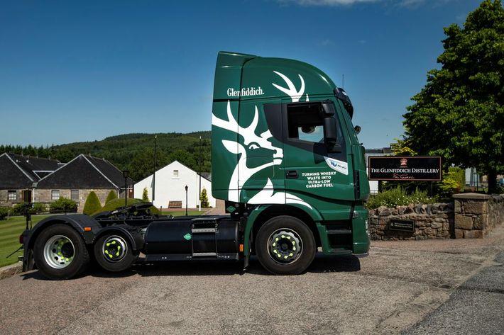 Whiskyvel hajtott teherautók